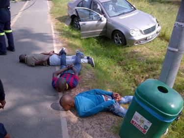 Four suspects arrested for an attempted crowbar housebreaking in Kraaifontein