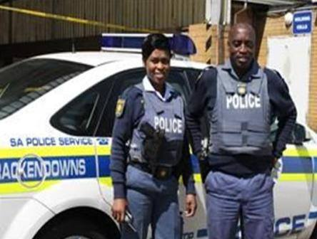 Brackendowns SAPS members arrest truck hijackers
