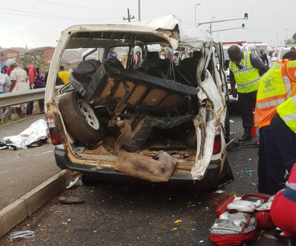 2 Taxis and bus collide Kwa Mashu