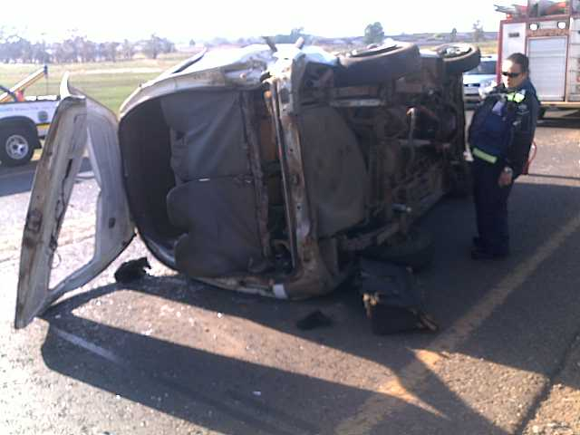 Collision between minibus and light delivery vehicle leaves fourteen injured in Springs