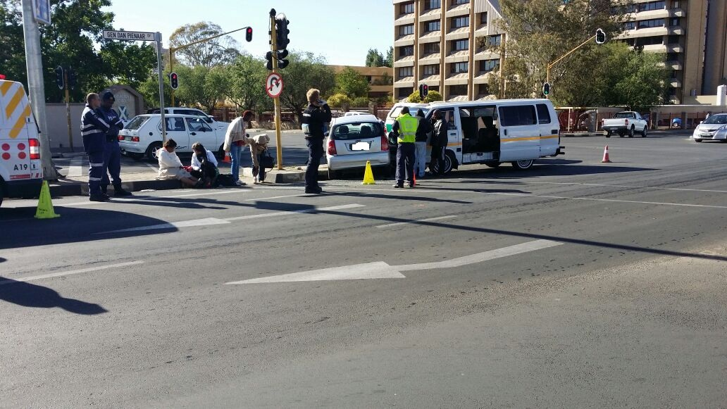Collision at intersection in Klerksdorp leaves two injured