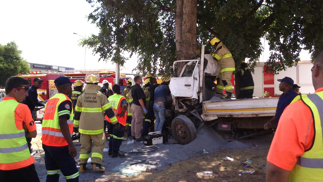 Centurion road crash leaves two dead and three injured