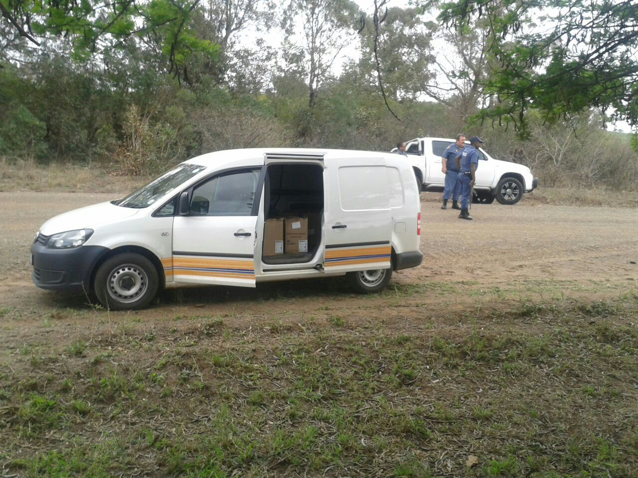 Armed suspects arrested after robbing cigarette delivery vehicle in Rondebosch