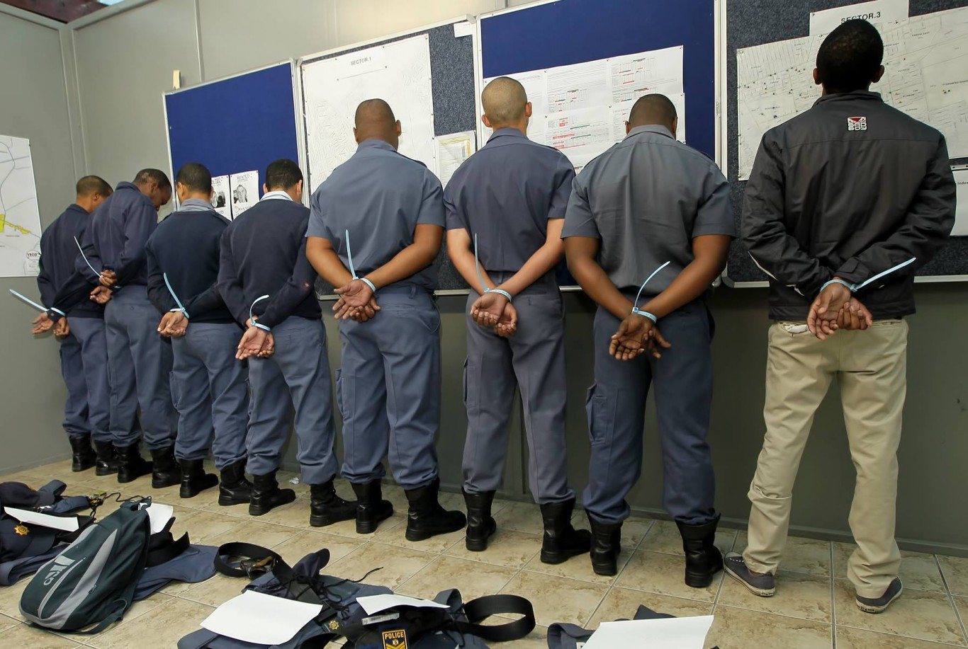 10 Police members from Parow arrested on charges of corruption