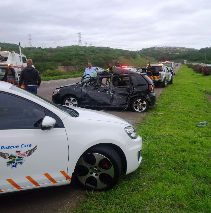 Car and truck collide leaving 4 injured on the N2 North near the M7