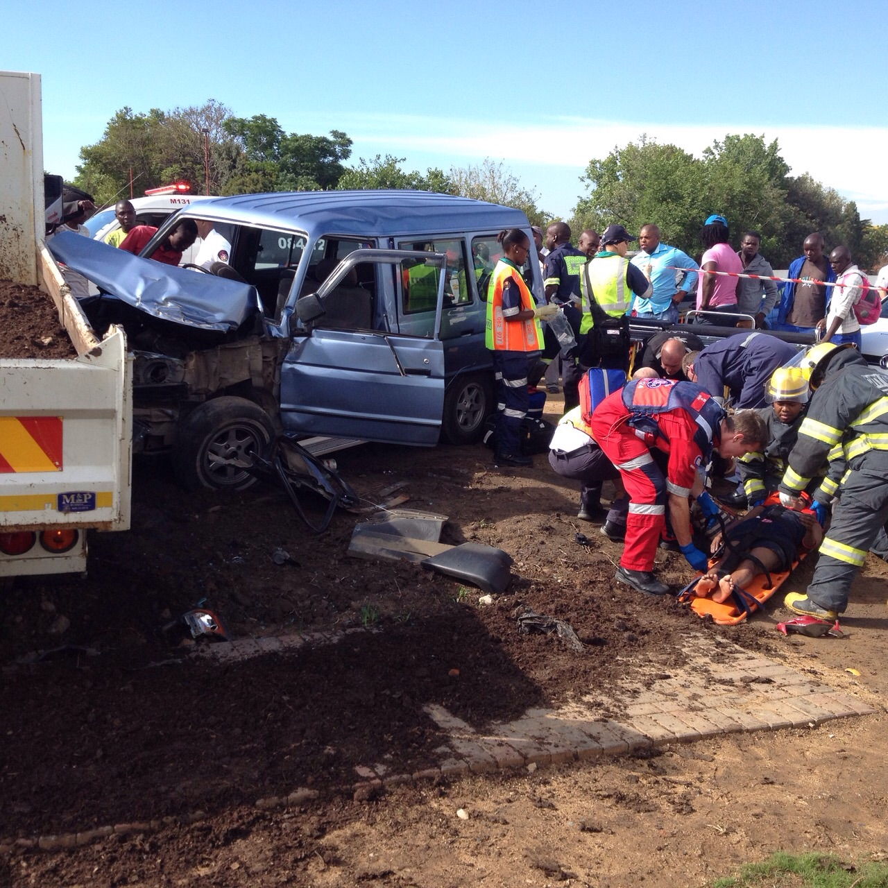 Seven injured in truck collision_2
