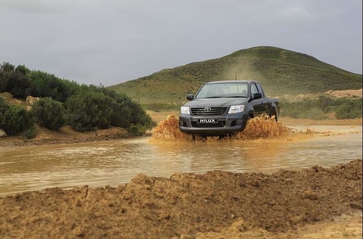 Toyota raises the bar with the new Raised Body Hilux 2.5 D-4D SRX Xtra Cab