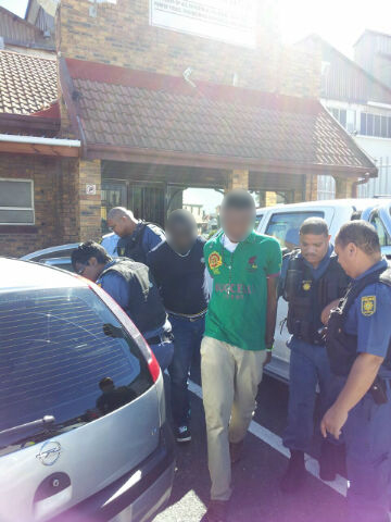 Undercover operation leads to arrest of two drug dealing suspects in Salt River