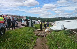 Three injured after a light delivery vehicle overturned on the N2 south