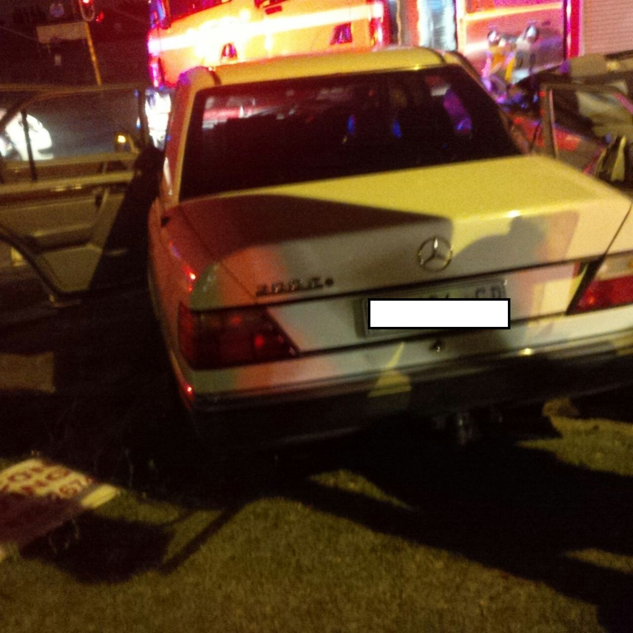 Paramedics stop driver having noticed that light delivery vehicle's load caught fire