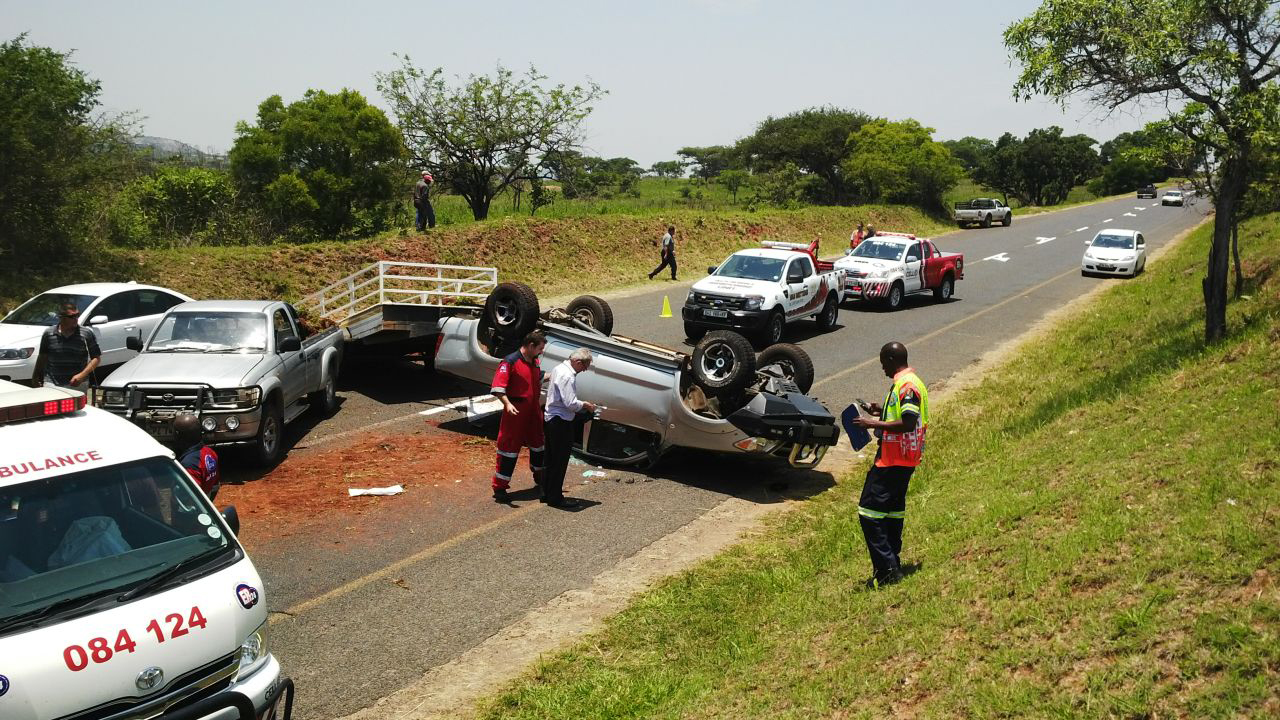 Vehicle with trailer overturns on R37 2