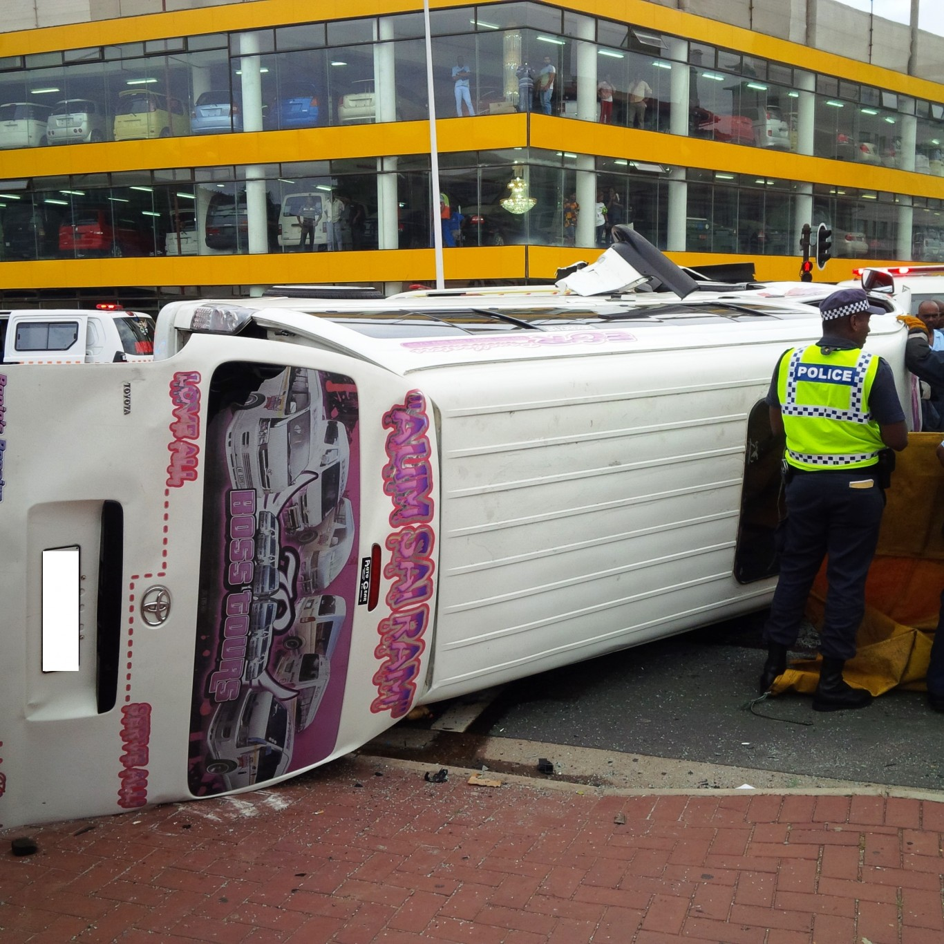 Taxi collision at intersection leaves 1 dead, 17 injured Durban