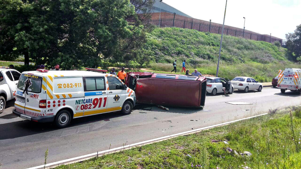 Side impact collision at the intersection of North coast Road and Blackburn Road leaves 2 injured