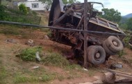 Earlier this morning paramedics responded to the Molweni area in Durban where a tipper truck carrying sand had crashed