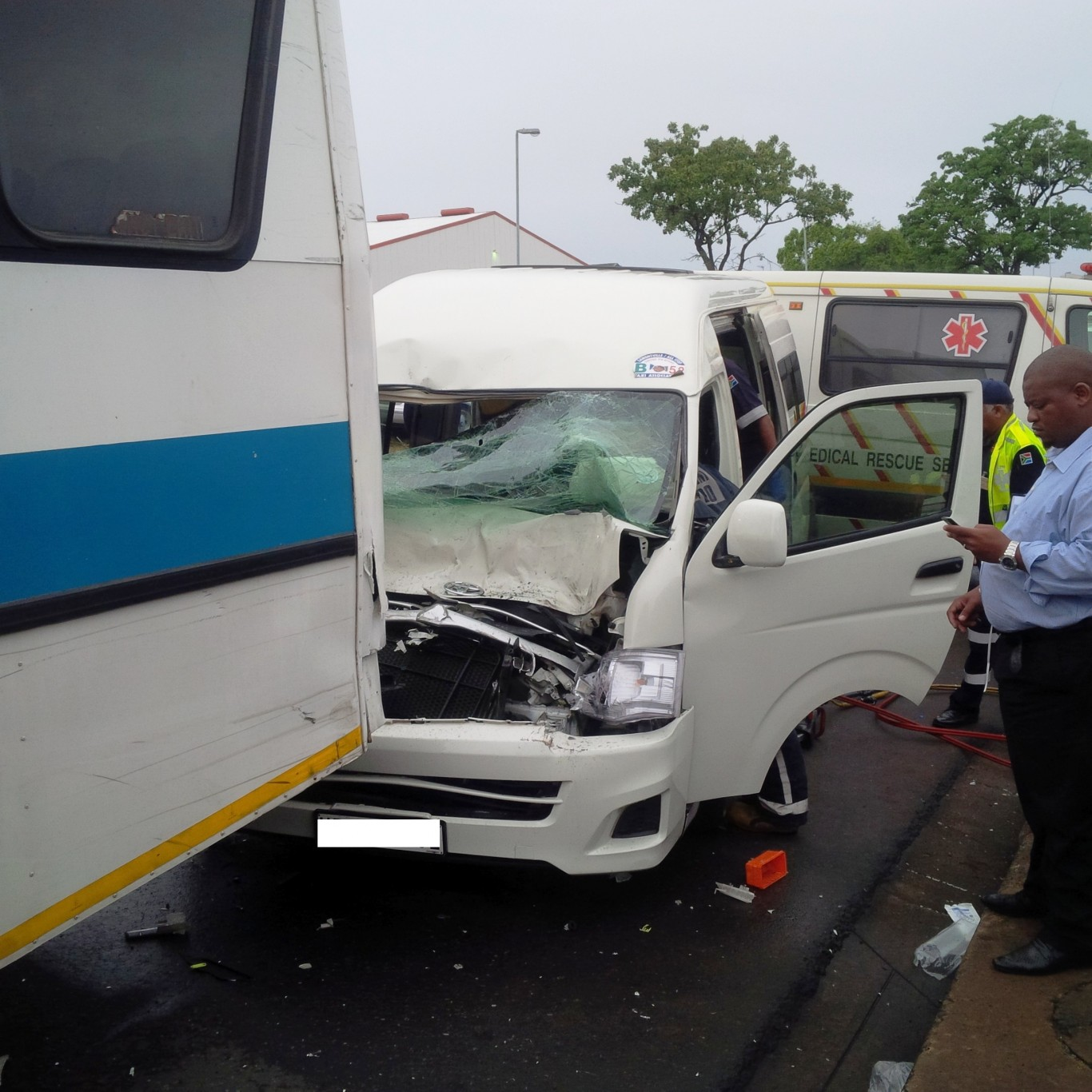Early morning taxi collision in Mobeni leaves 10 injured