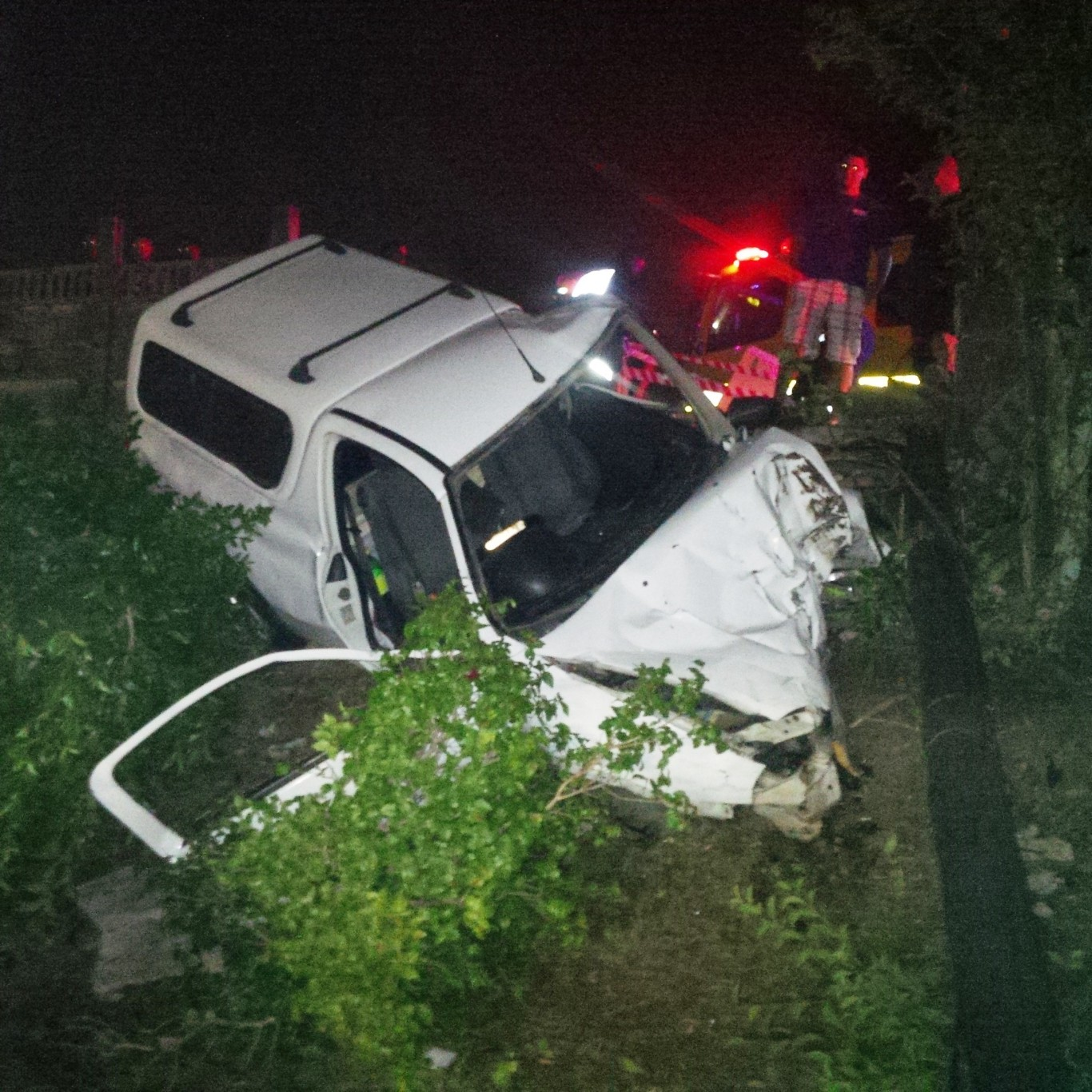 2 Injured in early morning accident Malvern