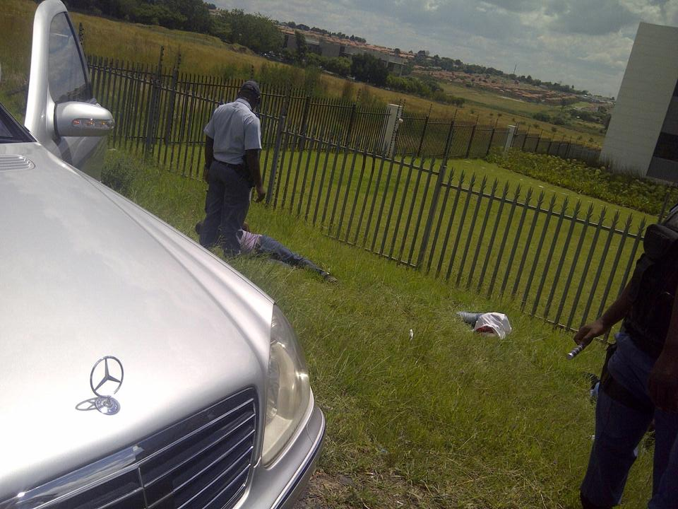 Gauteng Flying Squad members arrest 3 suspected car hijackers on the N1 near Olifantsfontein off-ramp