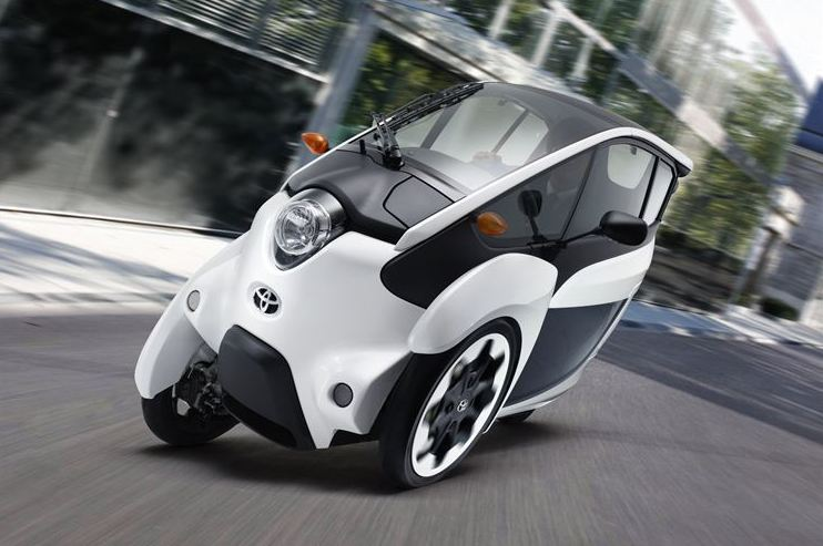 Toyota rolls out i-Road Car-Sharing Service in Tokyo