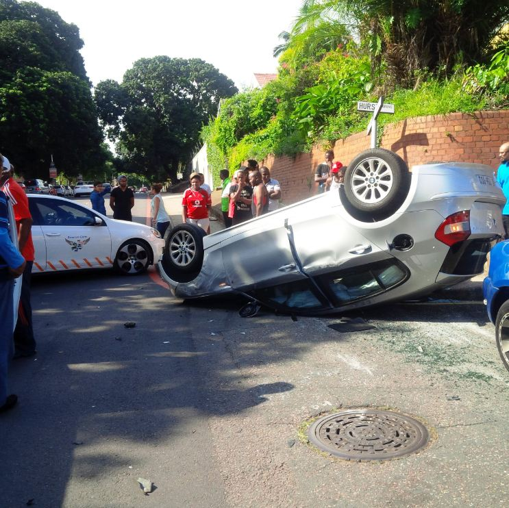 1 injured in roll over accident, Durban