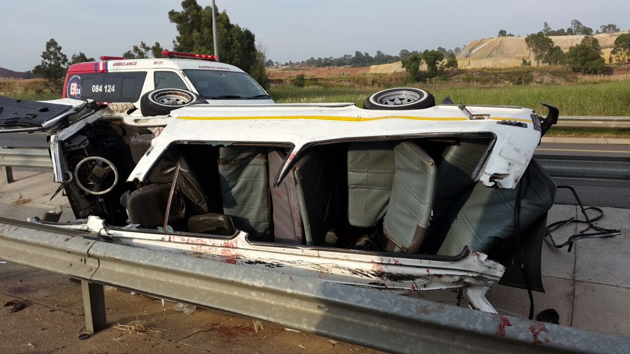 Taxi collision leaves one dead, thirteen injured