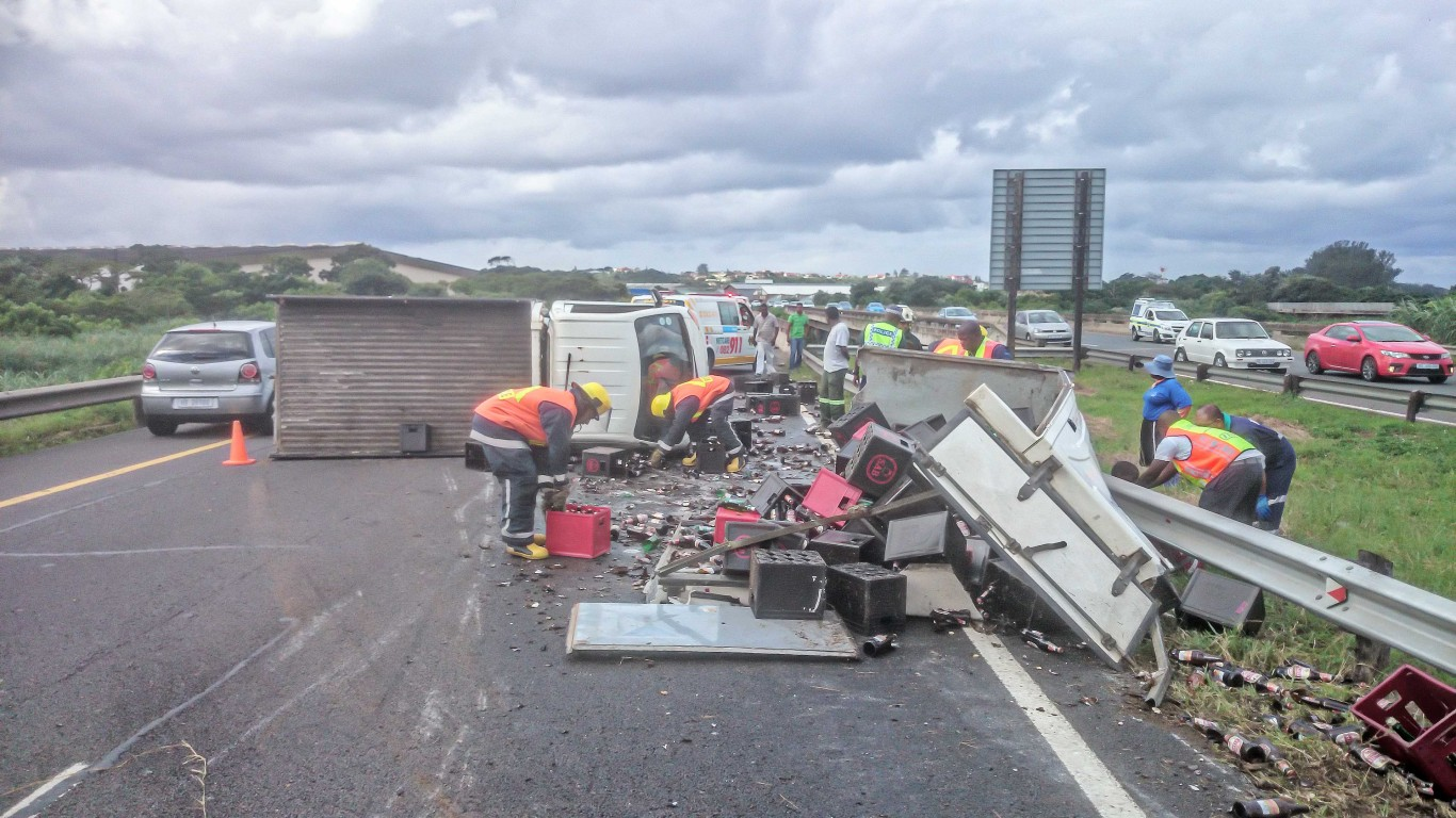 N2 Twini Hill vehicle rollover leaves two injured