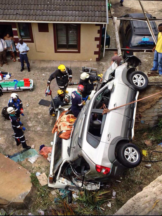 Avoca hills road crash leaves 6 injured