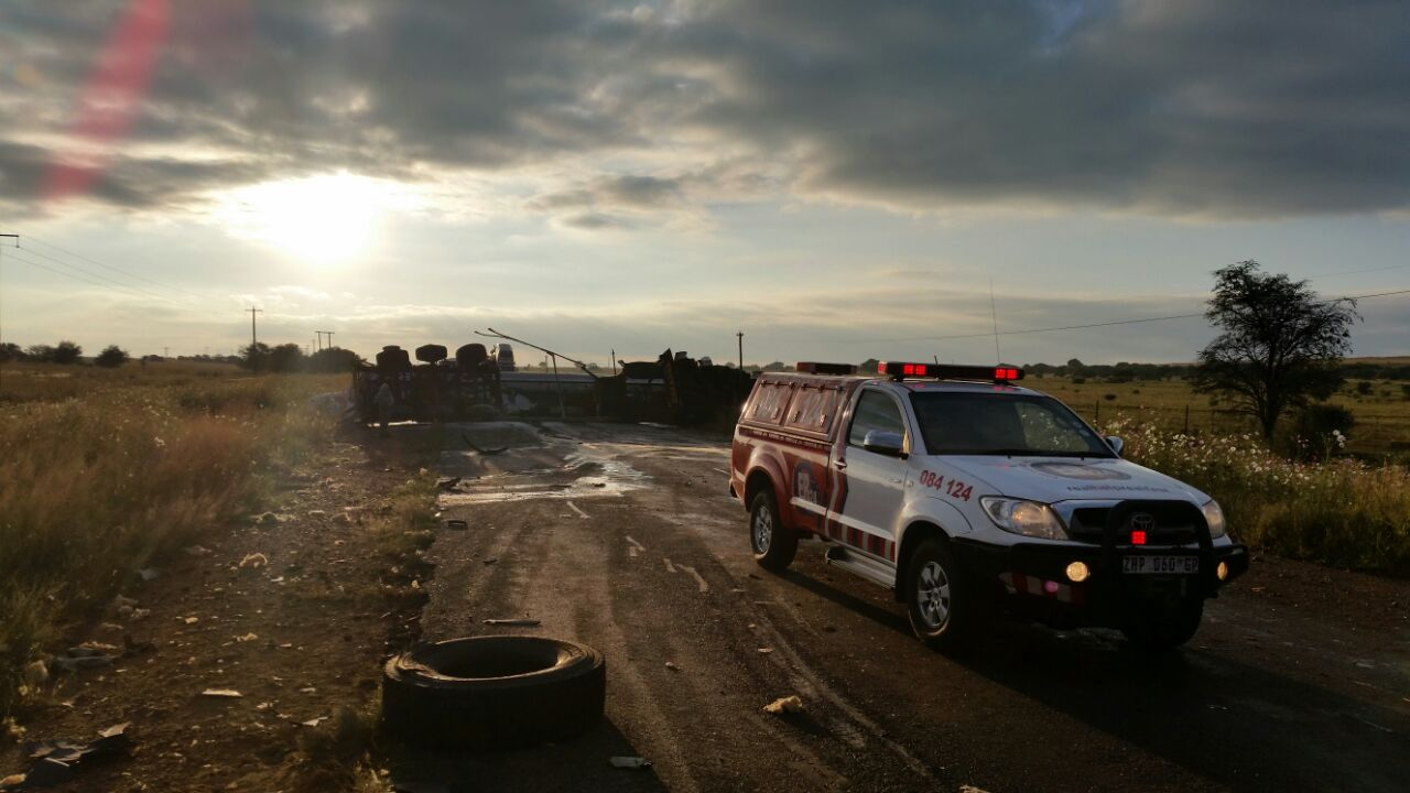 Truck collision 20km outside of Potchefstroom leaves three injured