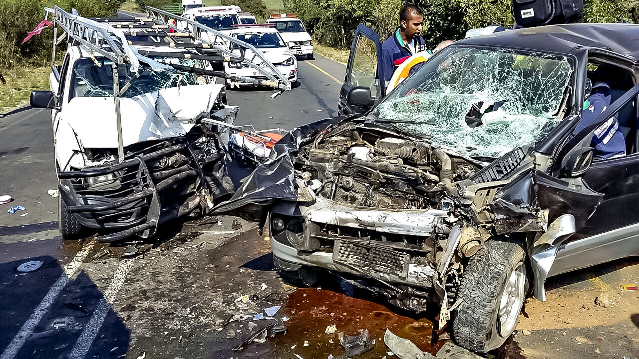R 102 Nandi drive intersection collision leaves 5 injured
