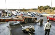 N1 N 14 interchange truck crash from bridge leaves one injured - roadway closed