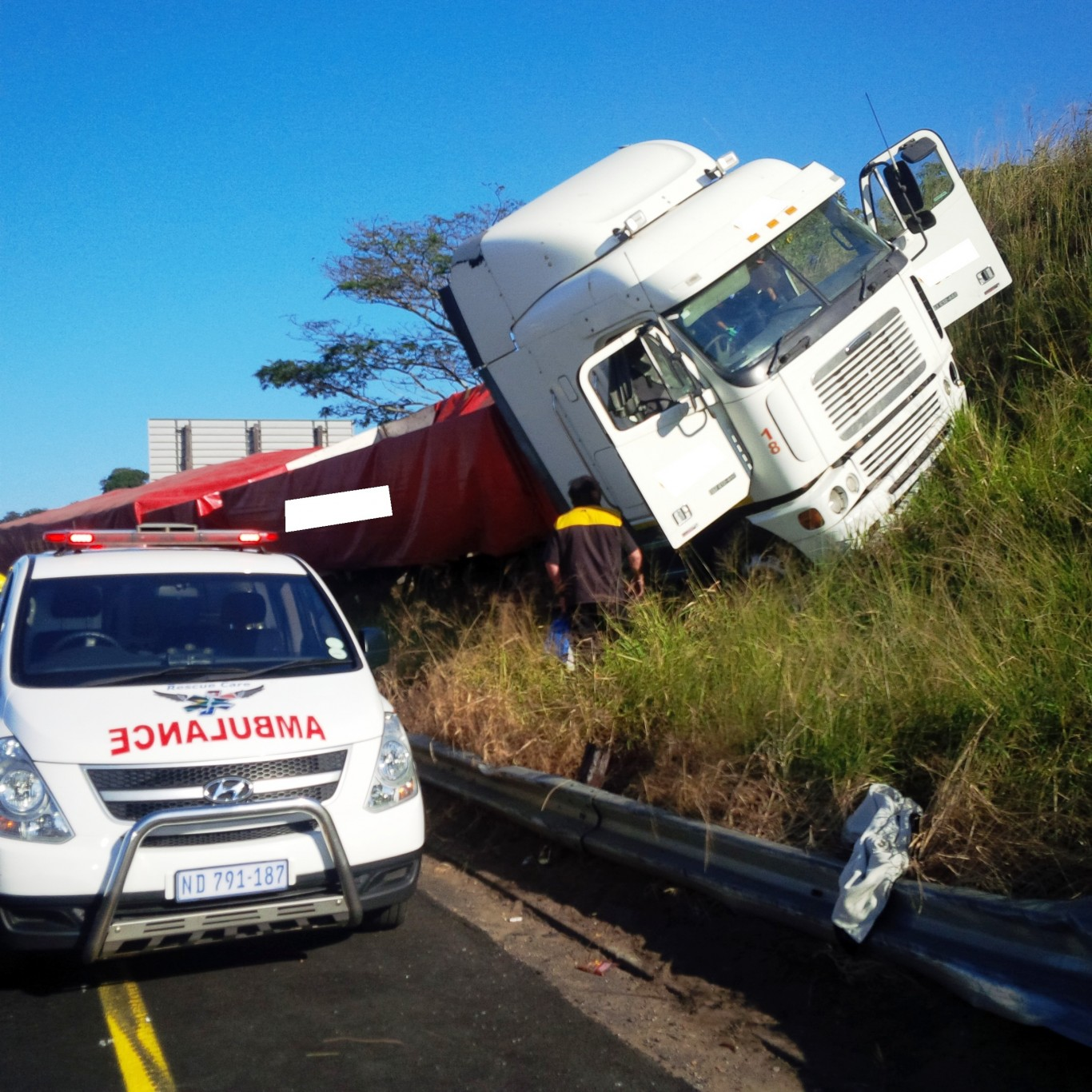 Driver injured in truck crash on the N3 Durban bound opposite the