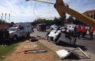Bryanston William Nicol Drive crash leaves one dead and sixteen injured