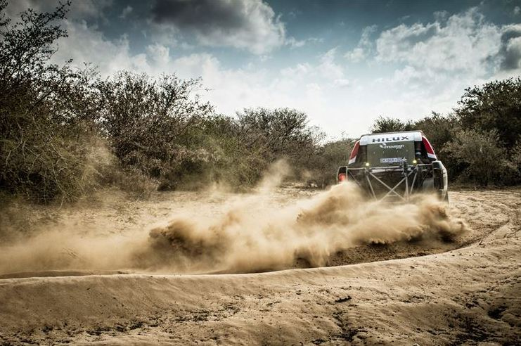 Castrol Team Toyota dominates on day one of Desert race