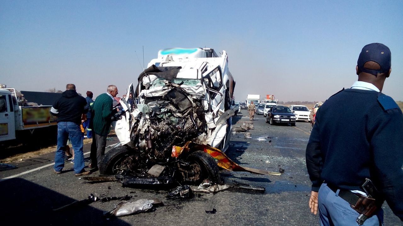 15 injured in 4 car pile up