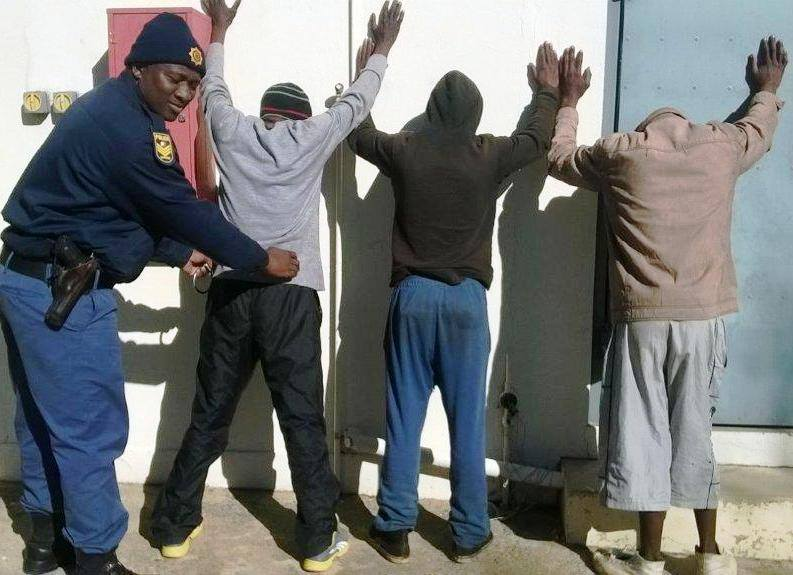 Suspects in tuck shop robbery arrested in Windserton
