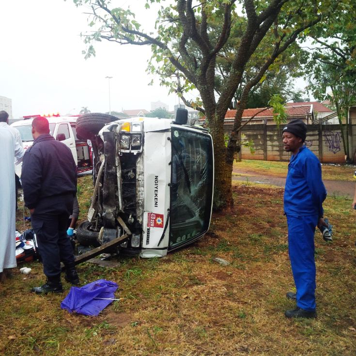 Taxi overturns hitting pedestrians on Berea Road