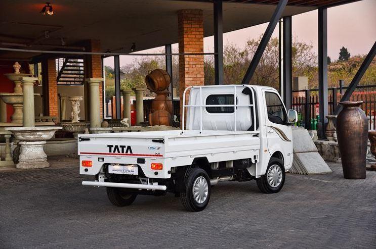 Tata Super Sce side