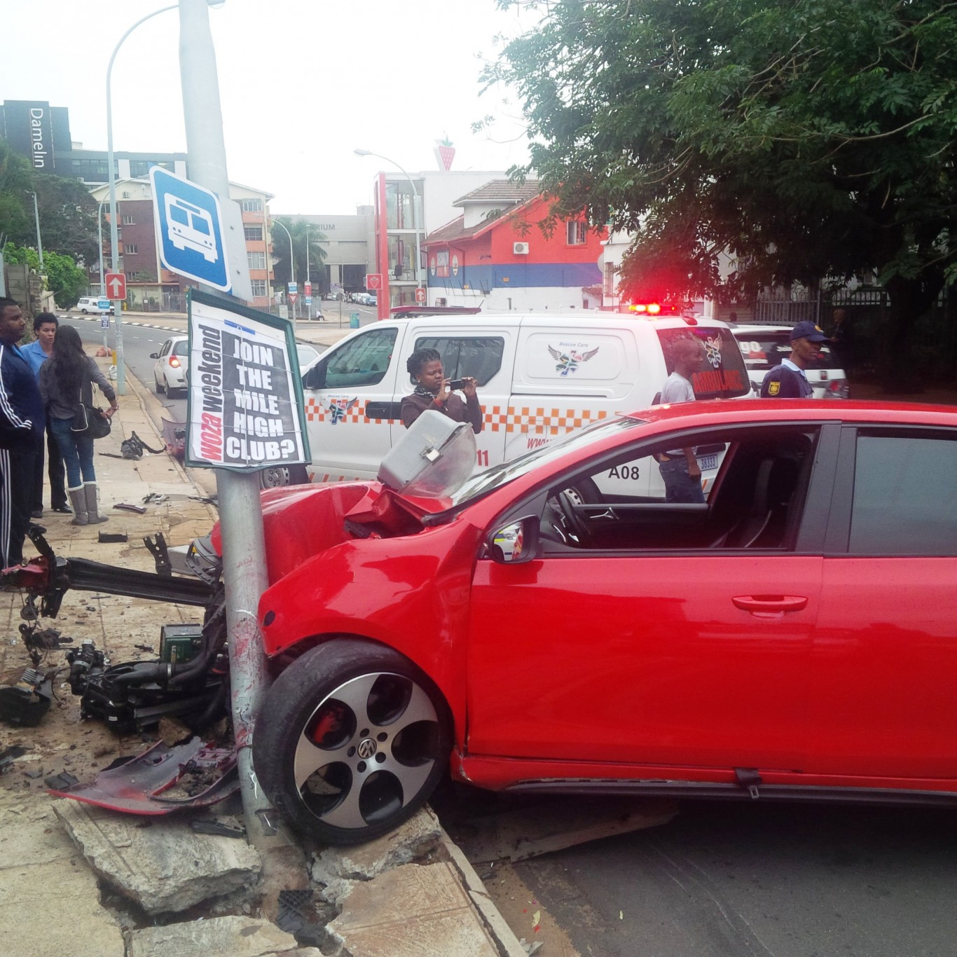 South Coast P200 taxi crash leaves six injured