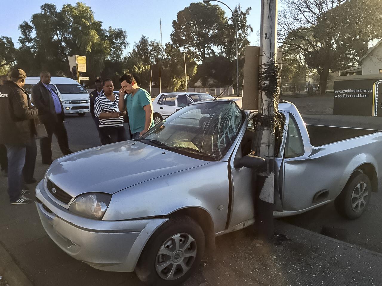 Bloemfontein road crash leaves one injured