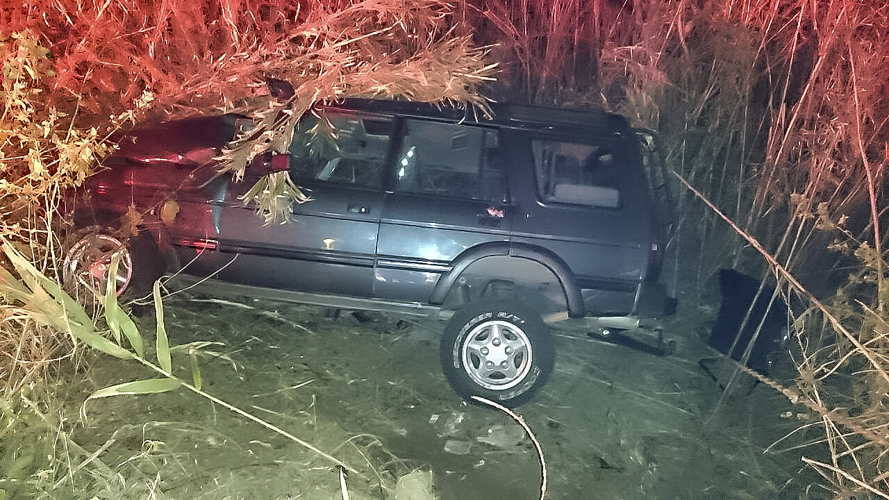 Scottburgh R102 road crash leaves one seriously injured