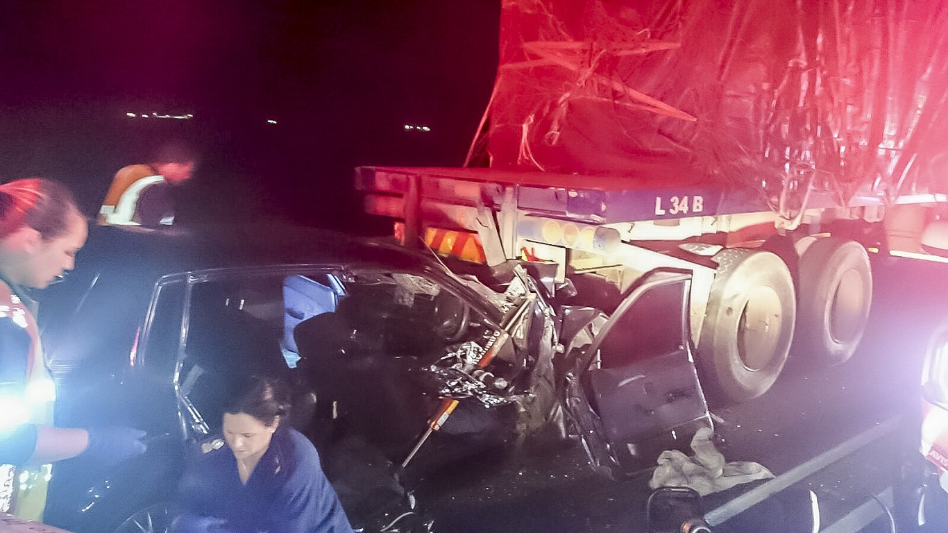 M4 Sibaya road crash leaves two dead one injured