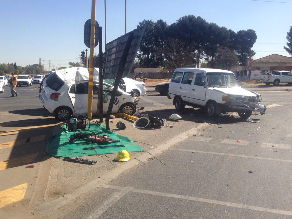 Elderly male dies in collision at intersection in Kempton Park