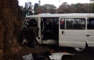 11 Injured as taxi crashes into wall in Parktown