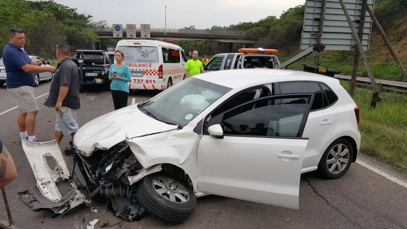 Two hurt in three car pile up on the M7 East bound, Durban