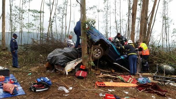 Three killed, scores injured in freak collision - 1