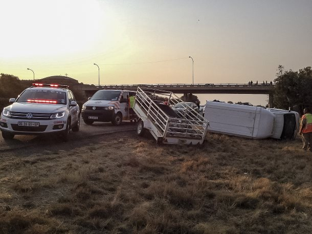 Two injured in Bloemfontein N1 crash