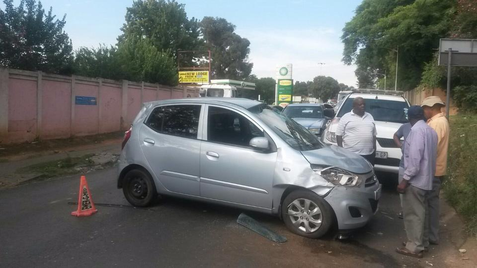 One injured after car allegedly skipped stop street in Kew