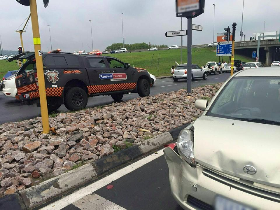 One injured in collision at intersection in Sunninghill