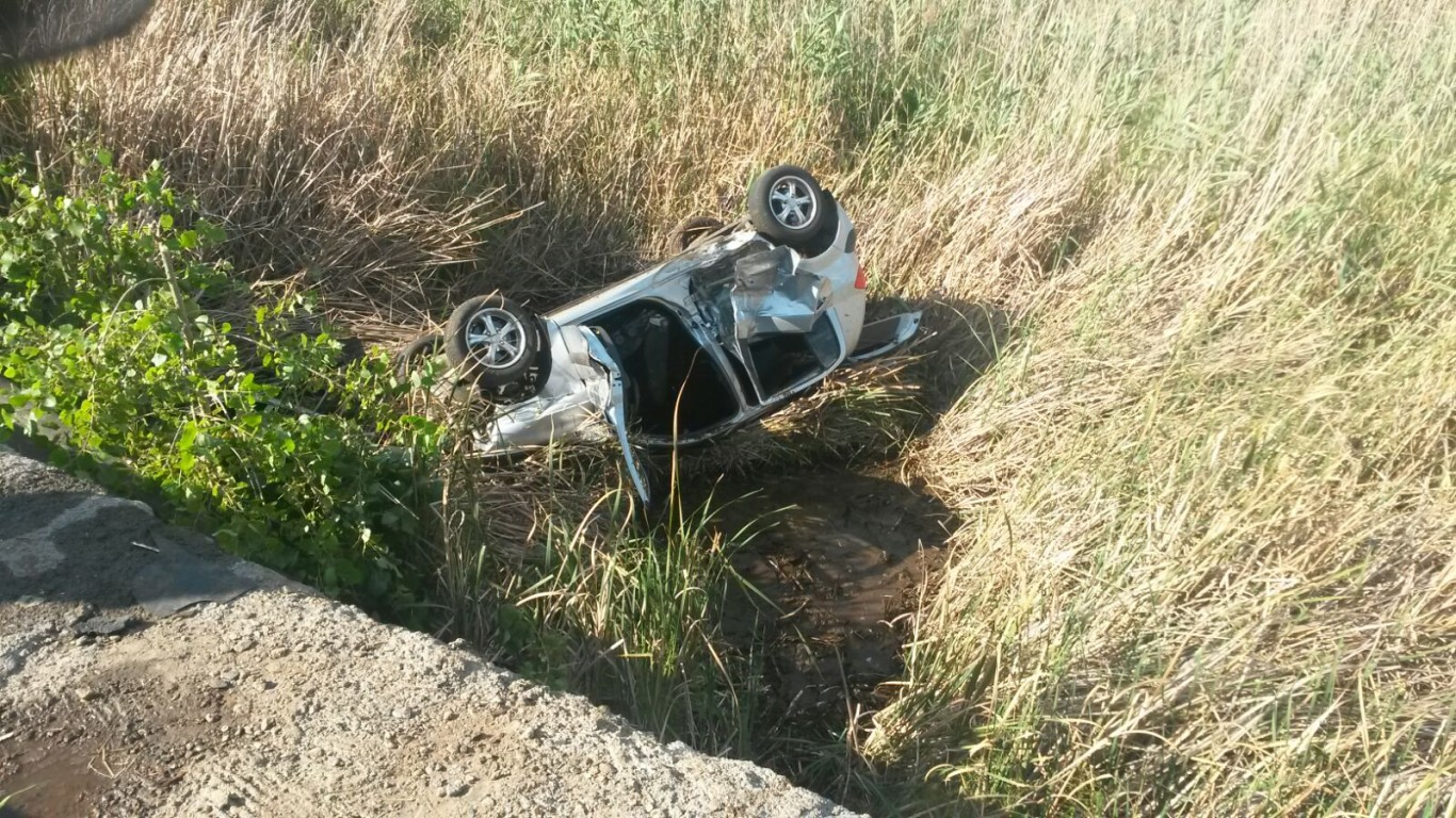 Two toddlers injured when vehicle rolled on N12 in Benoni