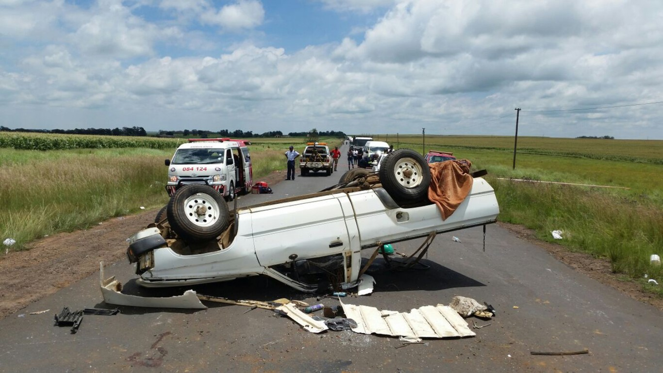 Bakkie overturns: Seven injured close to Middelburg