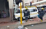 7 Injured in taxi crash at the intersection of Grey Street and Queen Street